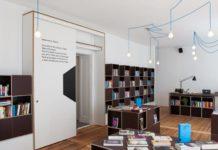 Neukölln- Bookstore & Coffeeshop in Berlijn.