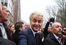 Geert Wilders tijdens een politieke campagne in Spijkenisse.