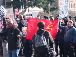 Protest communisten tegen het vrije woord